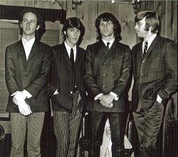 Photo du groupe en 1967.